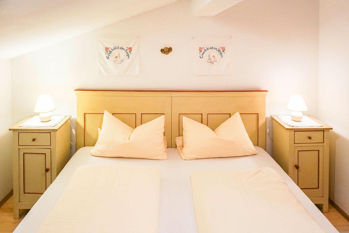 Gemütliches Schlafzimmer in unserer 4 Sterne Mansardenwohnung